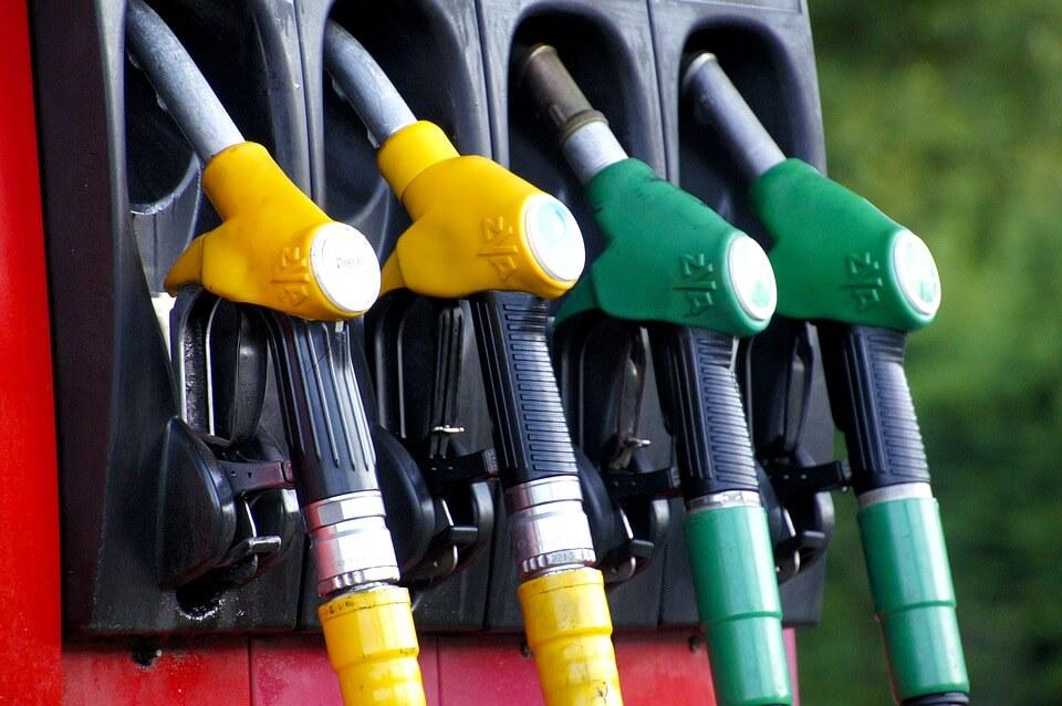 Bensinkort ger rabatt vid bensinpumpen
